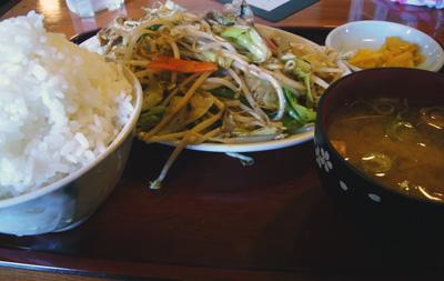 肉野菜炒め定食500円