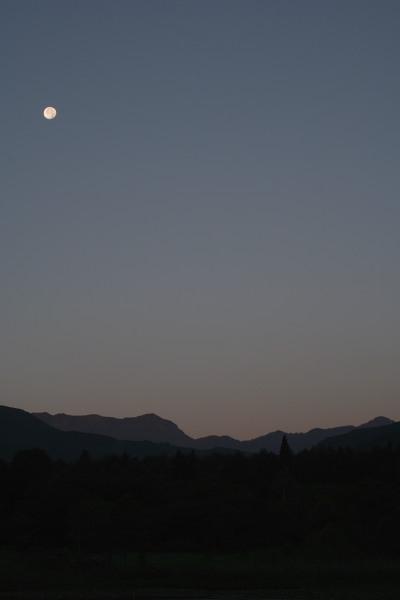 夜明け前の妙高いもり池2007夏