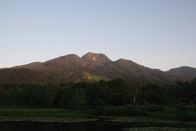 朝日に染まる妙高山2007夏