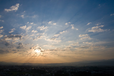 金谷山から朝日を望む