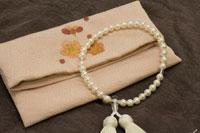 女性用数珠袋と数珠