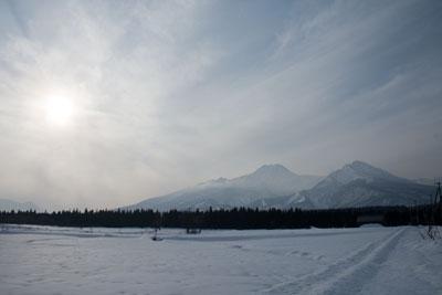 雪景色の中の妙高山