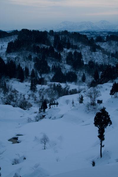 松代蒲生の棚田の冬の朝の風景