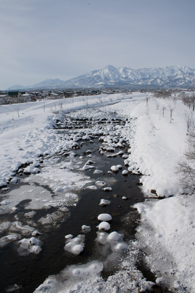 矢代川越しの妙高山