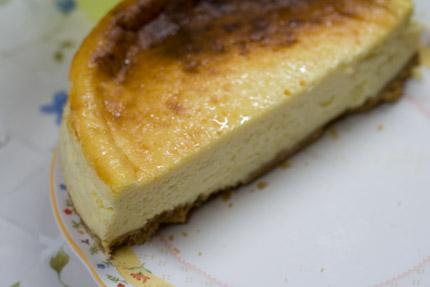 妻が作ったチーズケーキ