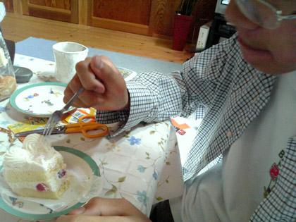 長男も、美味しそうにケーキをいただき