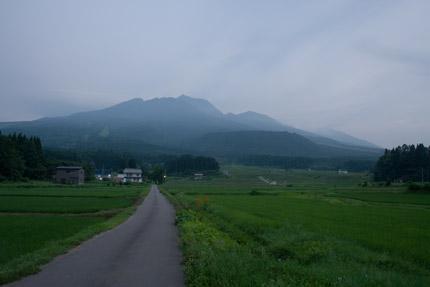 妙高山も幻想的な姿