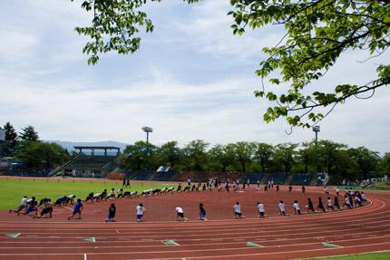 高校陸上部の方々の練習風景