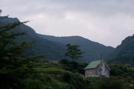 山奥にある笹倉温泉
