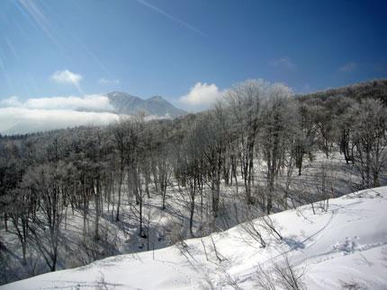 池ノ平スキー場から黒姫山を見る