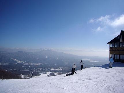 池ノ平スキー場から、志賀高原を望む