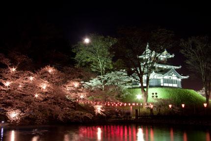 高田城と月とさくら