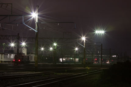怪しく光る上越市黒井駅