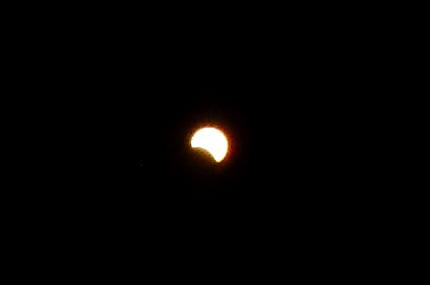 部分日食を撮影しました