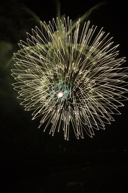 望遠でチョッといじった撮影の花火