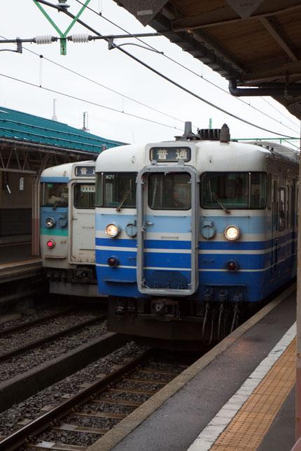 午前6時59分新潟県上越市高田駅を出発
