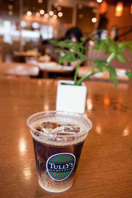 アイスコーヒーを飲み一休み