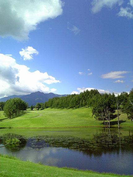 快晴ほぼ無風、気温のちょうど良い絶好のゴルフ日和