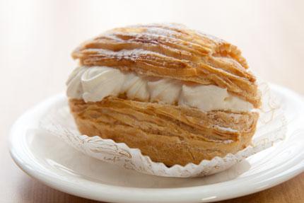 シュークリームのようなケーキ