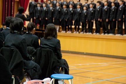 子供達は、元気よく、一生懸命歌っていました