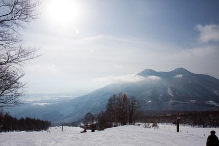 雲が掛かった黒姫山