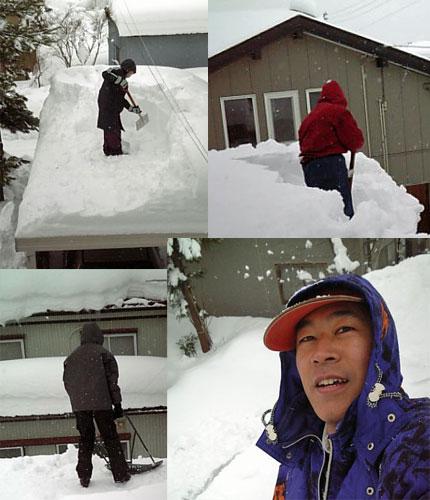 家族総出で雪下ろし