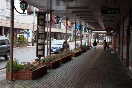 糸魚川駅前の商店街
