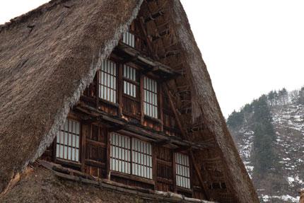 合掌造り特有の窓