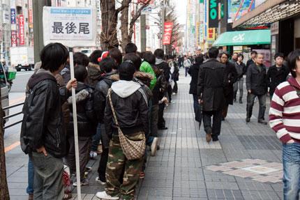 AKB48の生写真を購入する為の行列