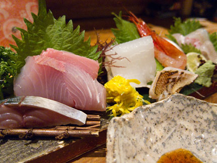 日本海で捕れた新鮮な魚の刺身