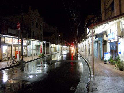 新潟市の古町のはずれ