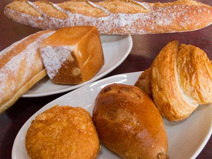買って来た数々の美味しいパン