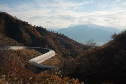 八箇峠から見下ろす魚沼の風景