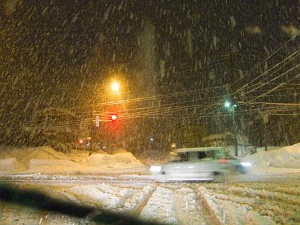 道路除雪も間に合わない