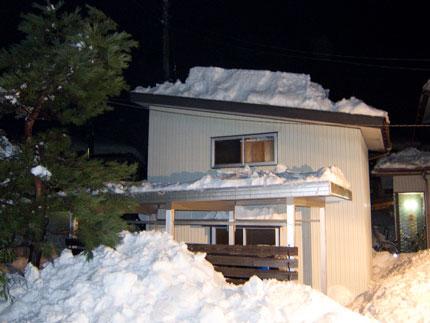 雪下ろしも午後5時過ぎに終了