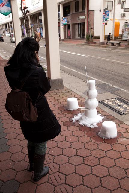 雪だるま像