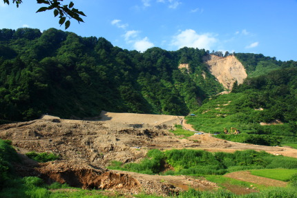 長野県北部地震の爪痕