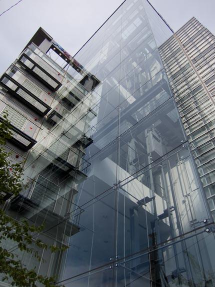 新潟市中央区万代のこんな素敵な建物