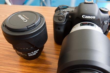 7DカメラとEF-S15-85mm F3.5-5.6 IS USMレンズとEF70-300mm F4-5.6L IS USMレンズ
