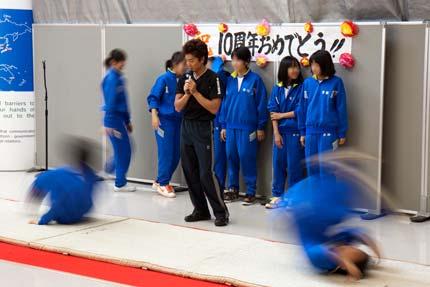 地元中学生達の体操指導