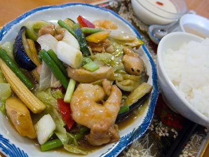 野菜炒め定食杏仁豆腐付き