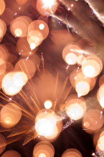 光の爆発花火