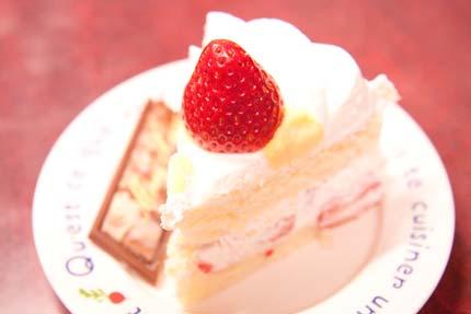 上越の名店レ・ドゥーさんのクリスマスケーキ