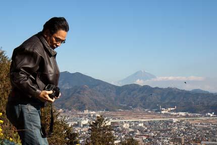 加藤先生から 賎機山公園から見る富士山に案内