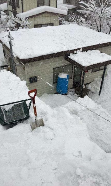 屋根雪を下ろしました