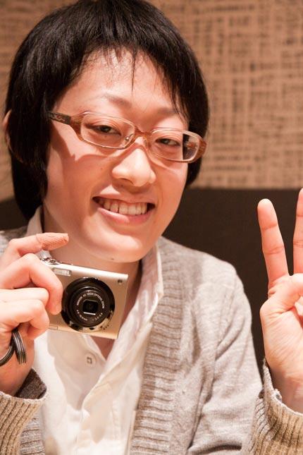 カメラを向けると笑顔で微笑んでくれます