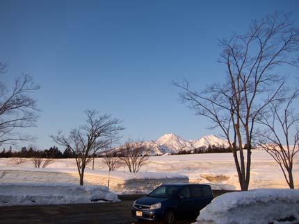 朝焼けに染まる妙高山