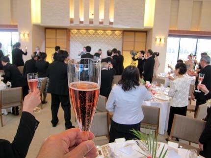ピンクのシャンパンで乾杯!