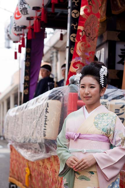 初代十日町きもの女王の藤巻栞奈さん3