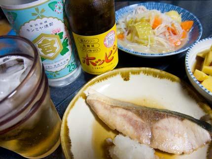 健康的にカロリーの少ないキンミヤ焼酎をビール仕立てにホッピーで割る